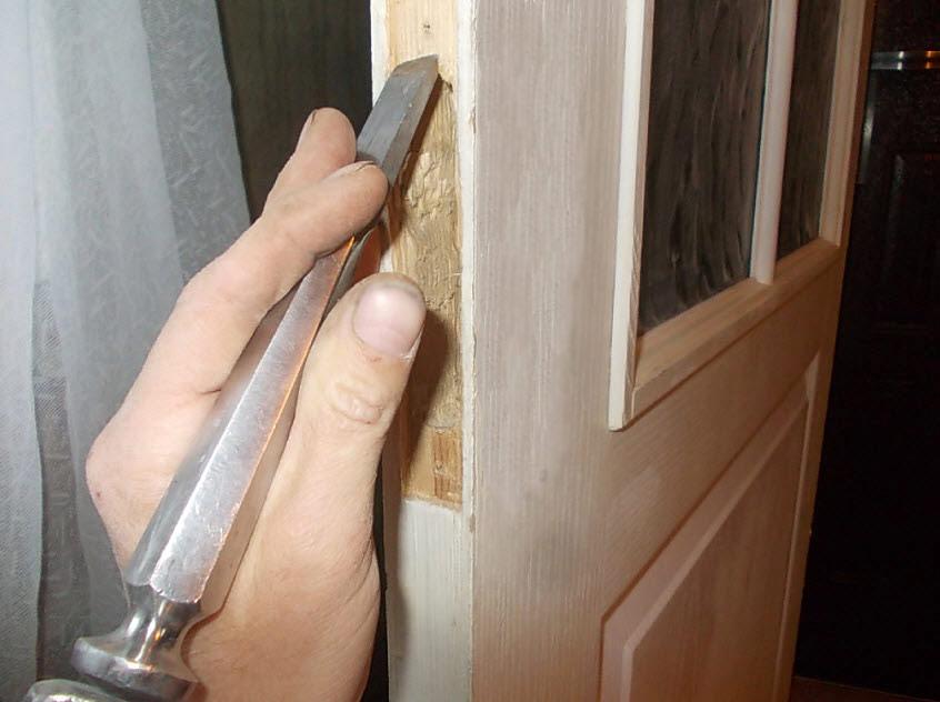 Врезка замка в межкомнатную деревянную дверь своими руками