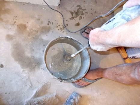 Как выровнять бетонное основание или инструкция по использованию нивелир массы