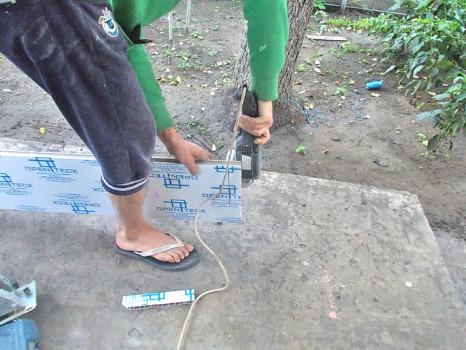 Как установить пластиковый подоконник?
