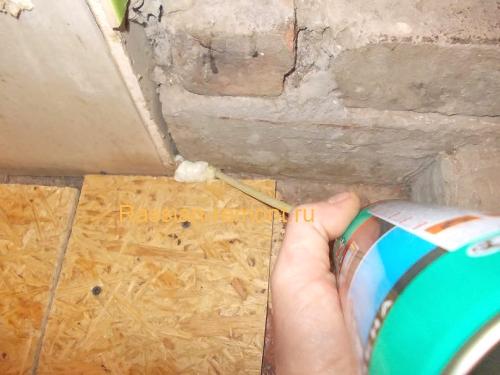 Как прочистить засохший баллон с монтажной пеной?
