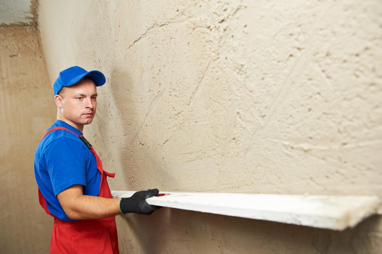 Выравнивание стен с помощью строительных смесей