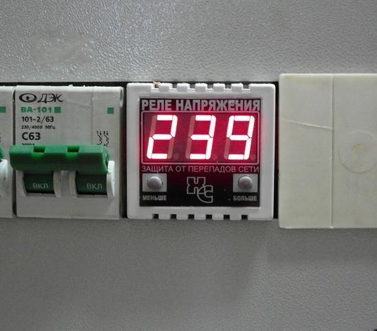 Защита домашней электрической сети от перепадов напряжения